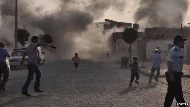 Turkey hits targets inside Syria after border deaths ...